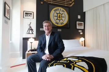 Ames Boston Bobby Orr in Suite Bedroom