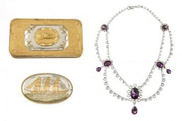 GWTW  cigar case sailboat plaque necklace