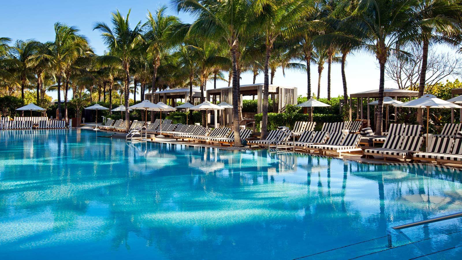 W South Beach Wet Pool