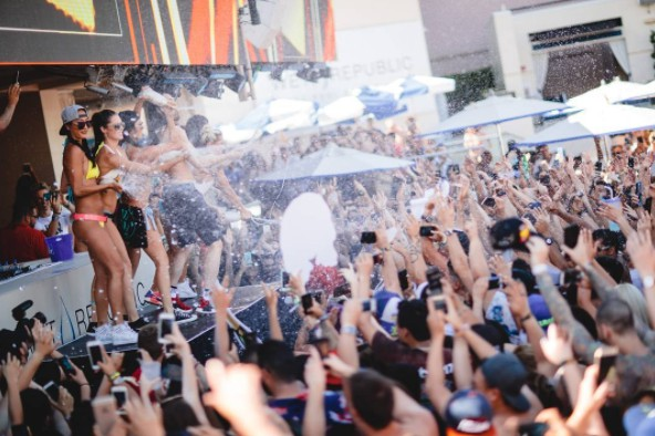 A Las Vegas Guide To Celebrating Labor Day Weekend