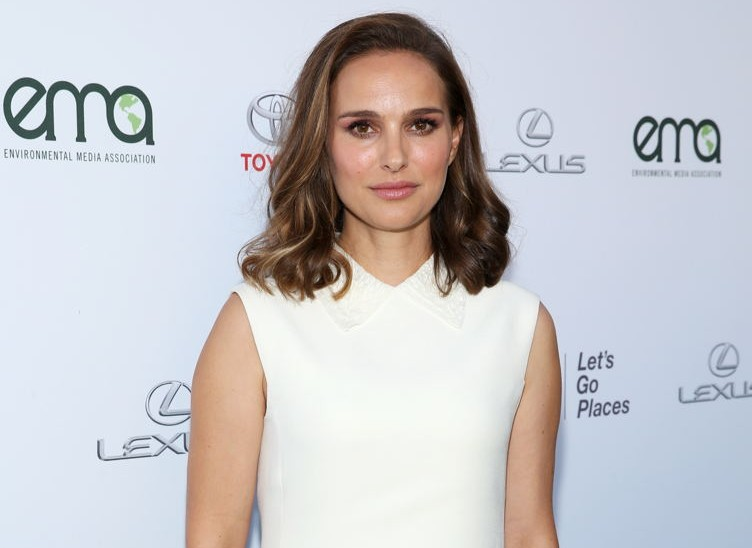 Natalie Portman at the Environmental Media Association's 27th Annual EMA Awards at Barker Hangar