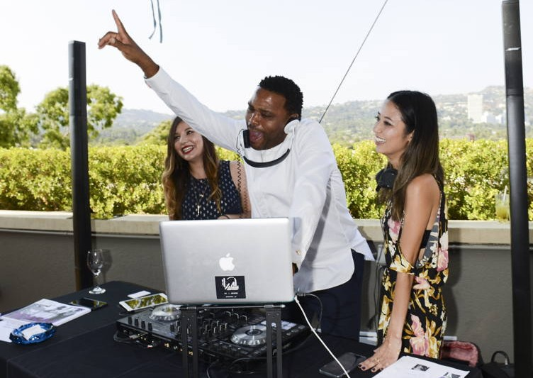 Anthony Anderson hits the turntables at the GBK Emmy suite