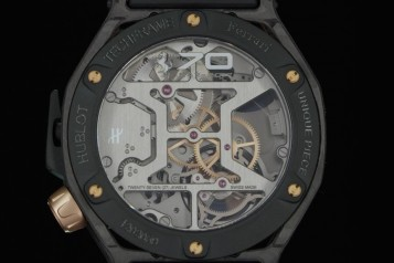 Hublot Techframe Ferrari 70 Years Tourbillon Chronograph in PEEK Carbon & King Gold – unique piece-4