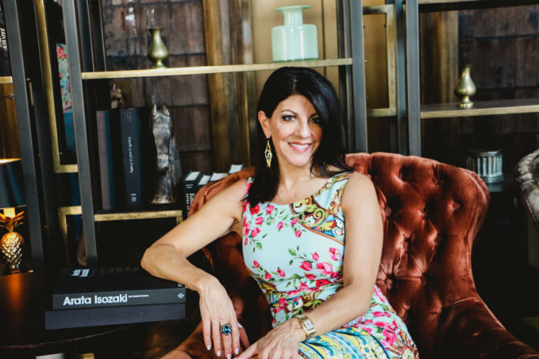Donna mondi is the owner and principal of one of chicagos busiest design firms donna mondi interior design shes one half of one of the citys ultimate