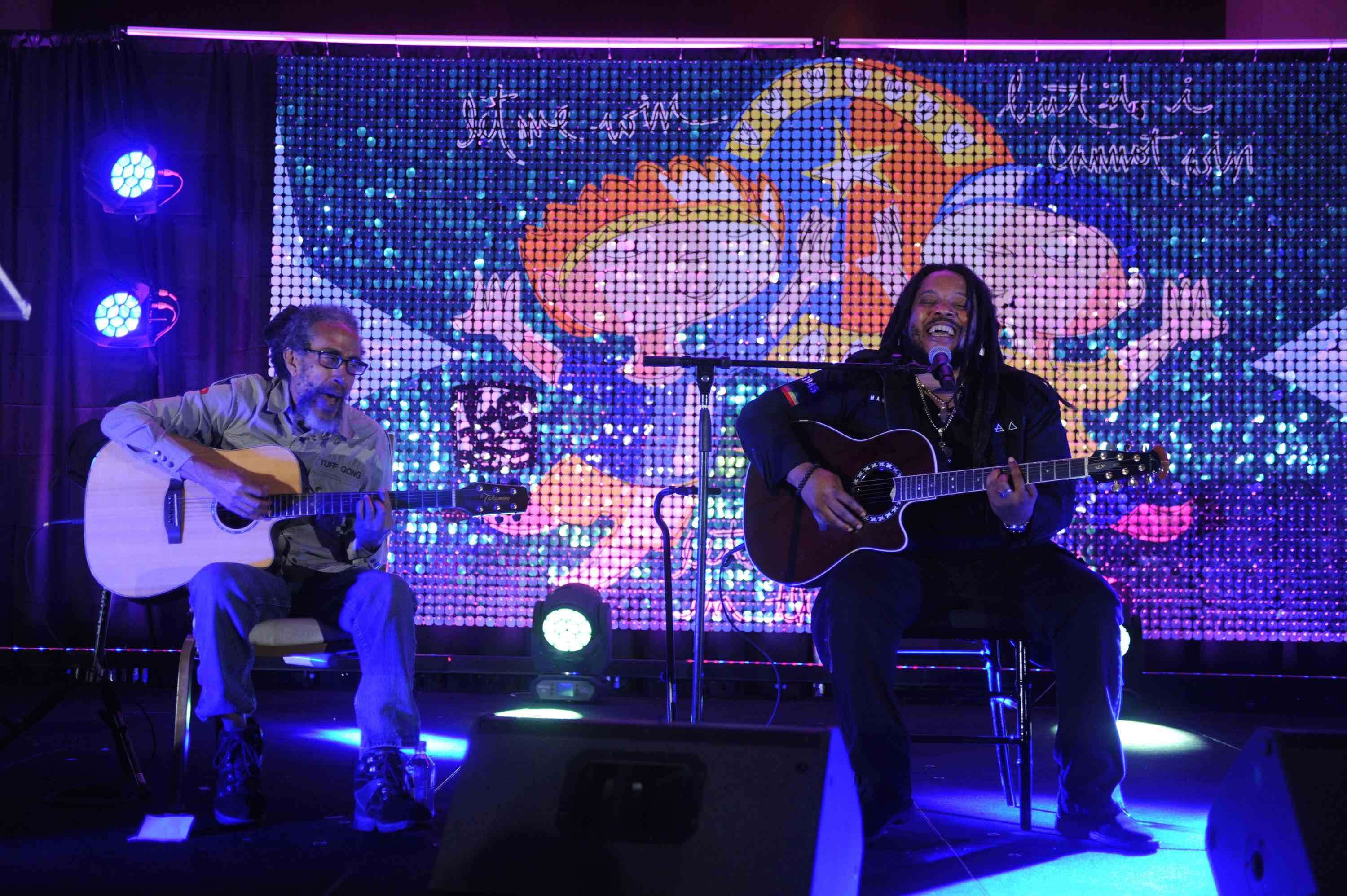 Stephen Marley performing