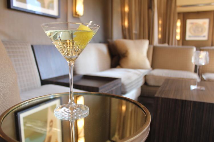 £10_Beluga Gold Martini_04