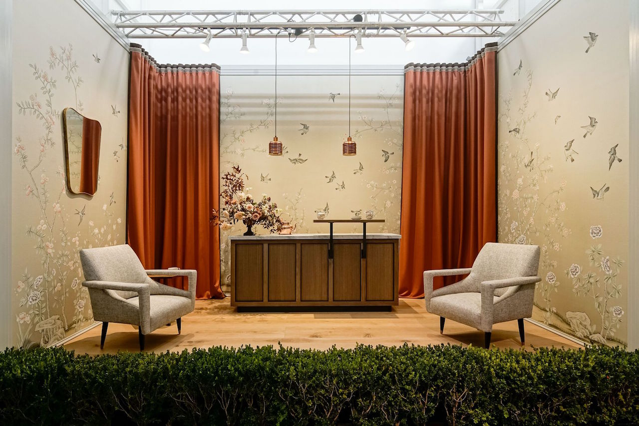 Catherine Kwong's vignette at the 2016 show features custom de Gourney wallpaper