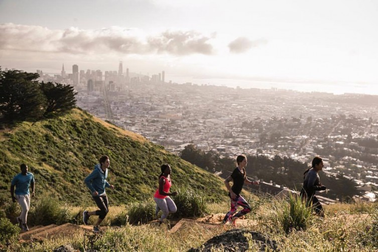 Runners race up to Twin Peaks