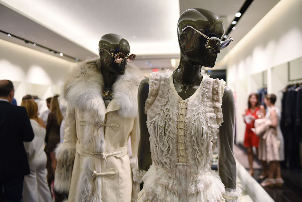 Roberto cavalli hosts luxe charitable event at bal harbour for Haute couture shopping