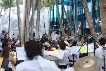 Eduardo Marturet _ Miami Symphony Orchestra performing1