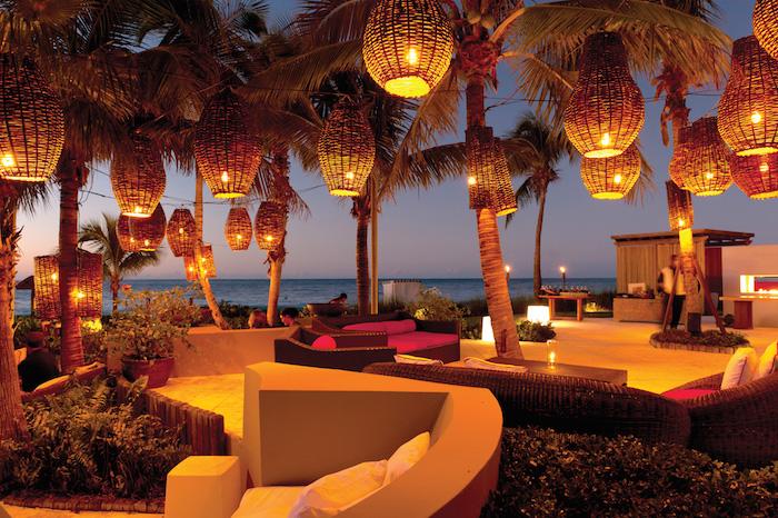 Grace Bay Lounge