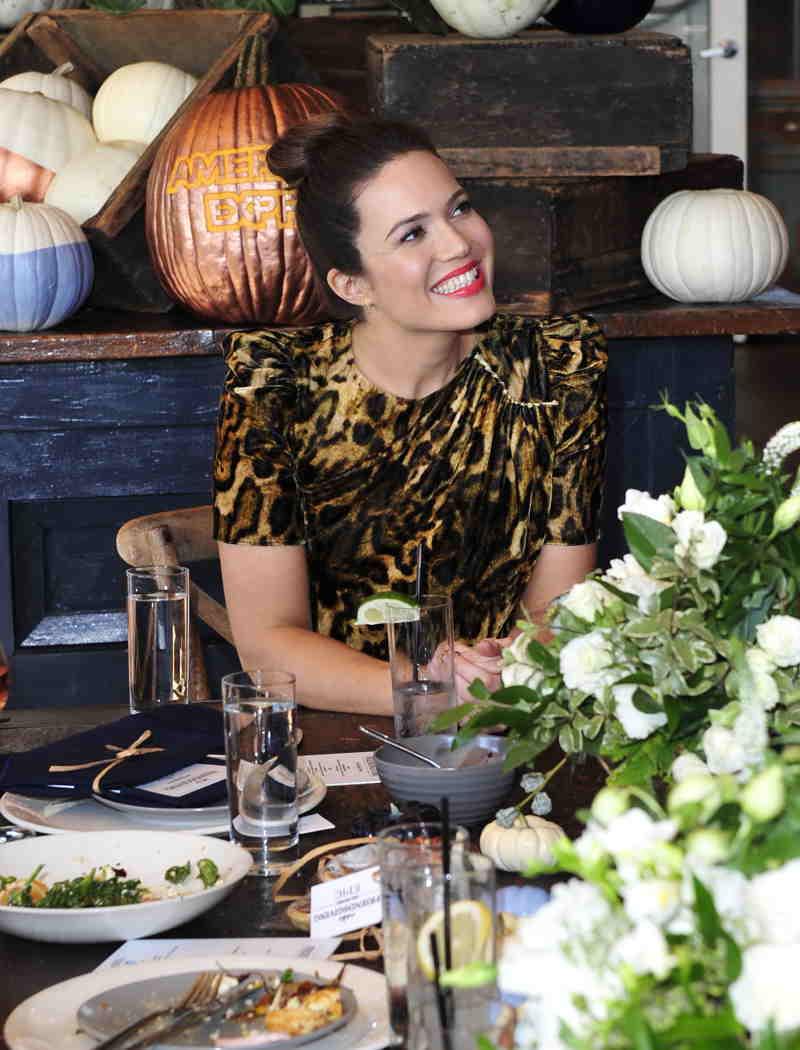 Mandy Moore celebrates Friendsgiving
