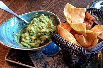 These 6 Restaurants Have The Best Chips & Guacamole
