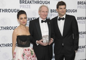 MENLO PARK, CA - December 3 -  Ashton Kutcher, Dr. Kim Nasmyth and Mila Kunis attend 6th Annual BREAKTHROUGH PRIZE Red Carpet Arrivals on December 3rd 2017 at Moffett Federal Airfield, Hangar One in Menlo Park, CA (Photo - Drew Altizer)