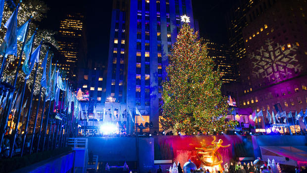 30-rock-christmas-tree-2012