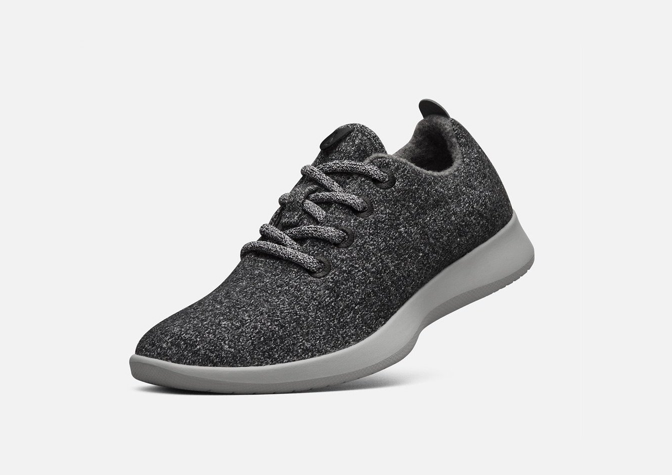 AllBirds-WR2MNCW-MensWoolRunners_Natural_Grey-Front_Angle_0935528d-45d5-41d9-abae-ef14ca63cbcd
