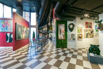 Avant Gallery 3