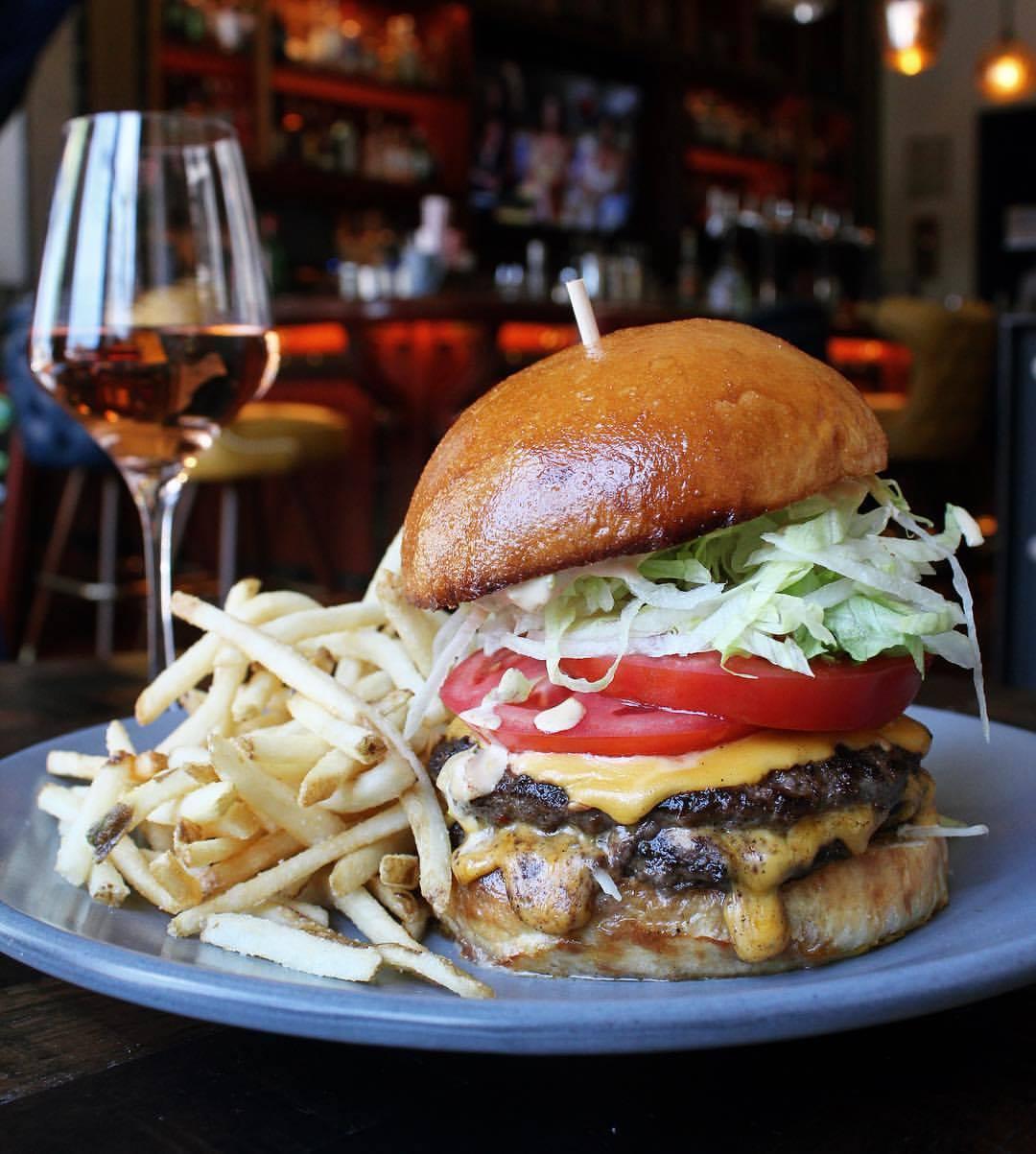 Finn Town's burger