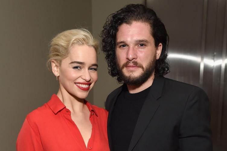 Emilia Clarke (L) and Kit Harington attend the 7th Annual Sean Penn & Friends HAITI RISING Gala