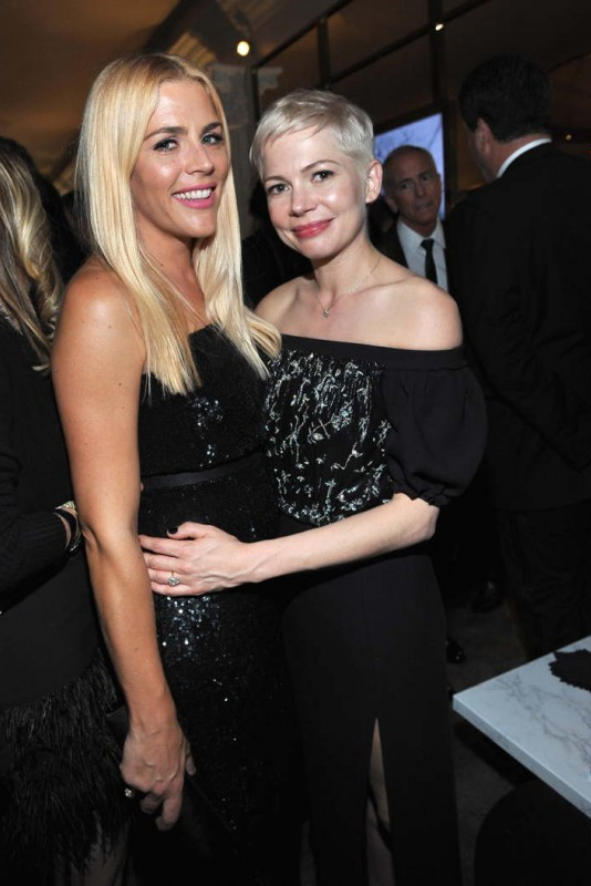 Busy Philipps (L) and Michelle Williams attend the 2018 InStyle and Warner Bros. 75th Annual Golden Globe Awards Post-Party