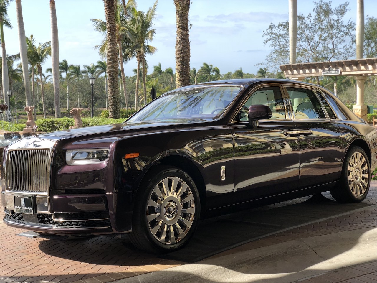 Rolls Royce White >> Rolls-Royce 2018 Phantom Raises $780K For Charity At Naples Winter Wine Festival