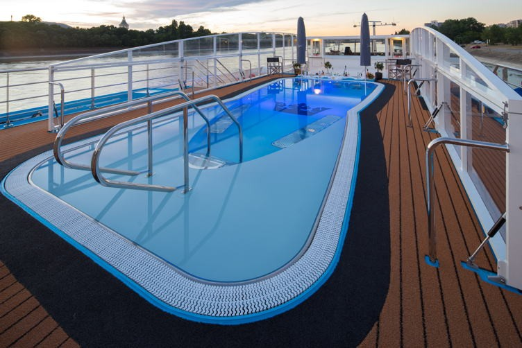 River cruise 14