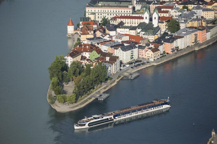 River cruise 3