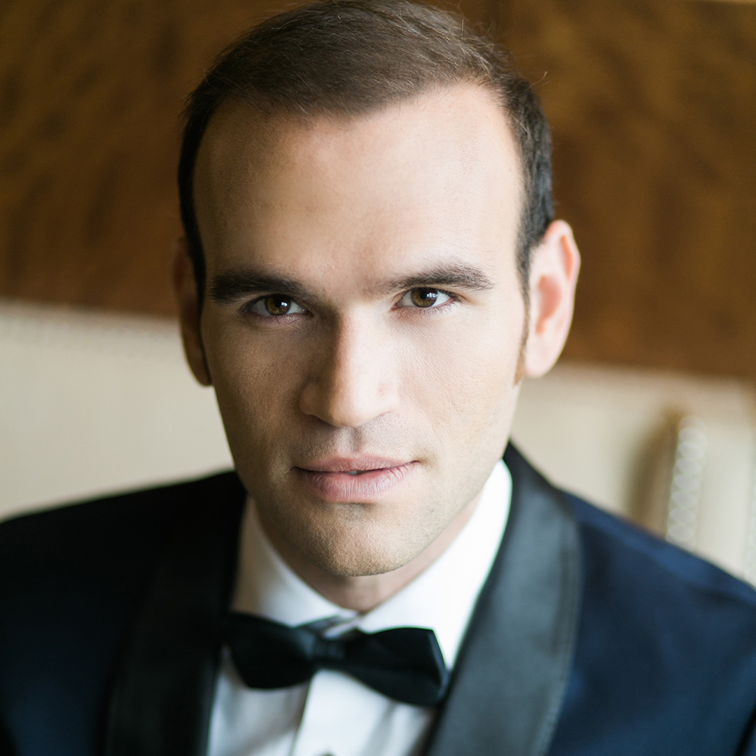 Opera star Michael Fabiano