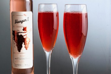 Berry Champagne Spritz