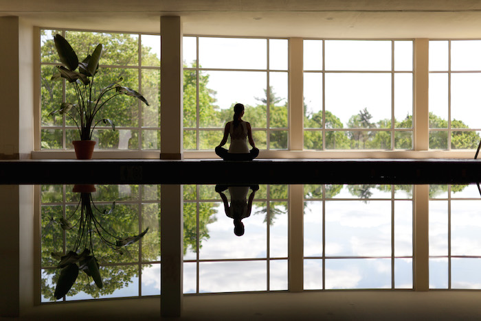 female-yoga-pool-canyon-ranch-wellness-resort-lenox