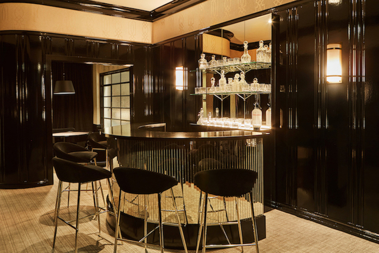 Chanel-Bar-Room