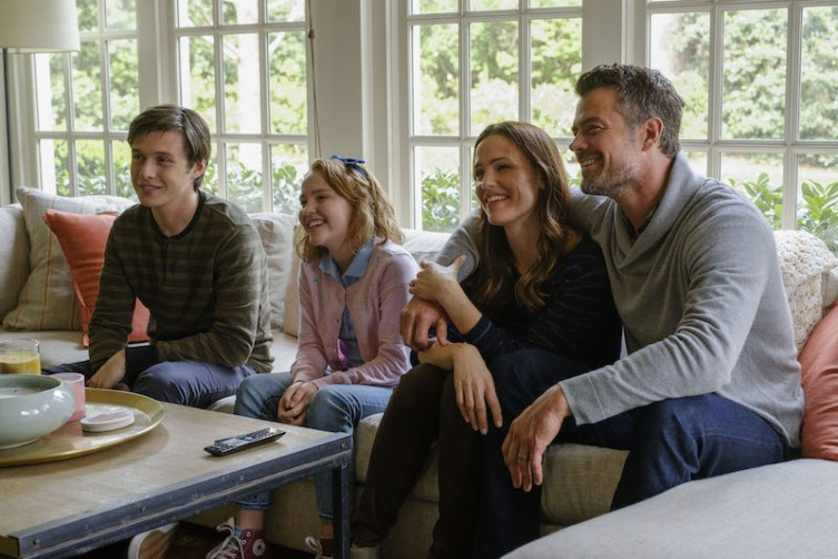Nick Robinson (Simon), Talitha Bateman (Nora), Jennifer Garner (Emily), and Josh Duhamel (Jack) star in Twentieth Century Fox's LOVE, SIMON.