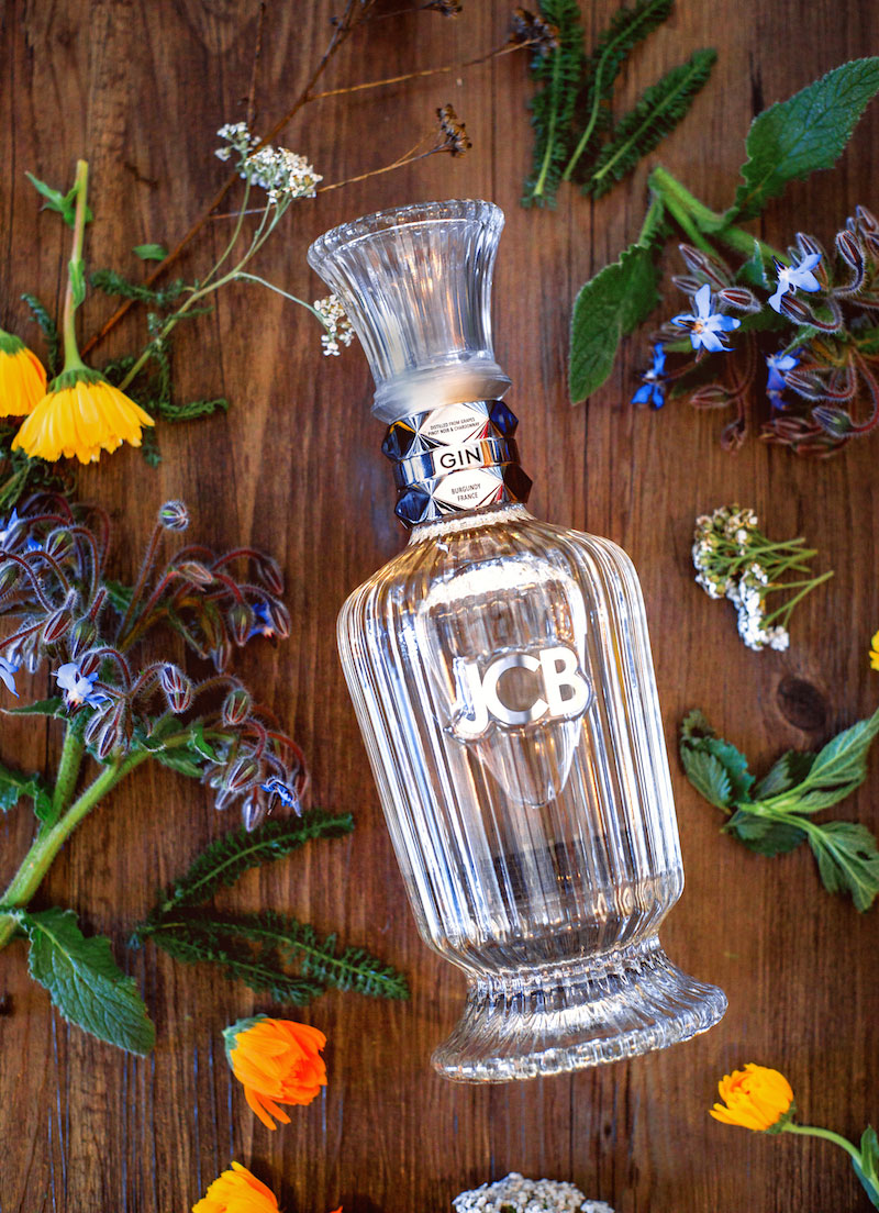JCB-Spirits-Gin-with-Botanicals-MUST-Credit-Jeremy-Ball