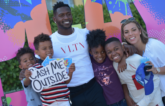 Tot Living Haute Living Throws Party For Antonio Brown S Daughter