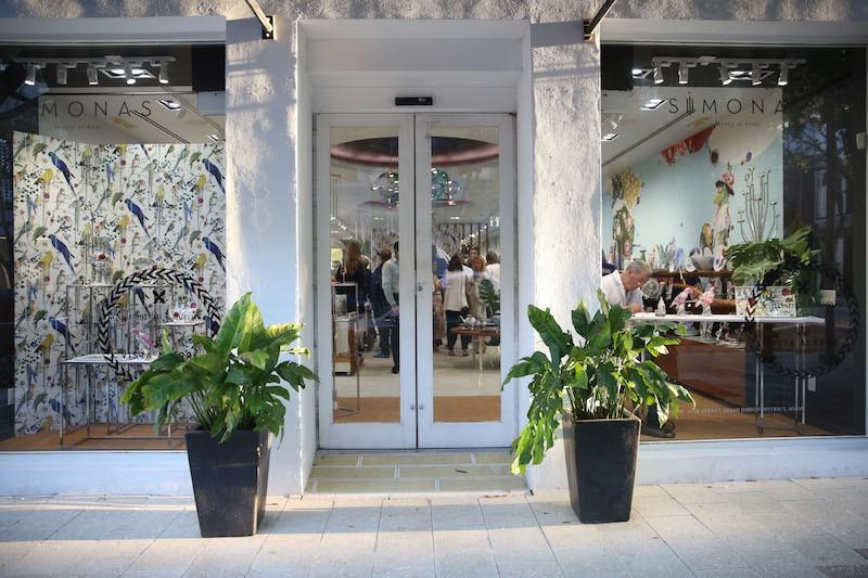 Simona's storefront