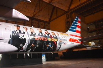 "American Airlines, Marvel Studios' ""Avengers: Infinity Wars"", Stand Up To Cancer Unveil Customized American Airlines Aircraft"