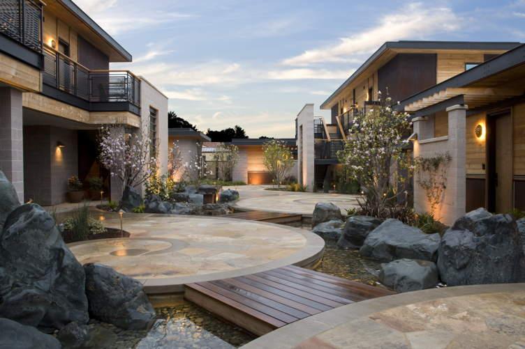 Bardessono Exterior-Magnolia Courtyard