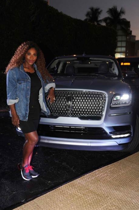 Serena Williams & Lincoln Navigator27