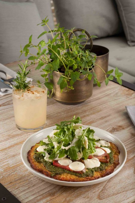 Cauliflower Crust Pizza and The Pear
