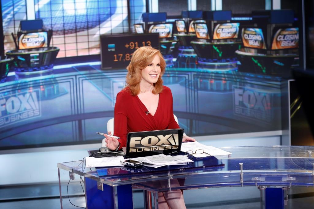 liz claman talks keeping an on the go beauty routine and