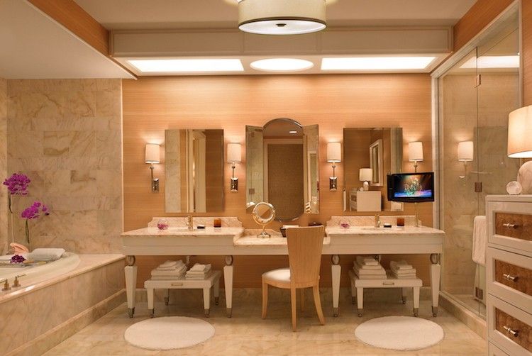 Wynn_Salon_Suite_Bath_Barbara_Kraft