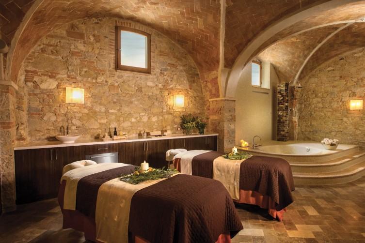 castello-di-casole-hotel-spa-hero-b-1960x1360