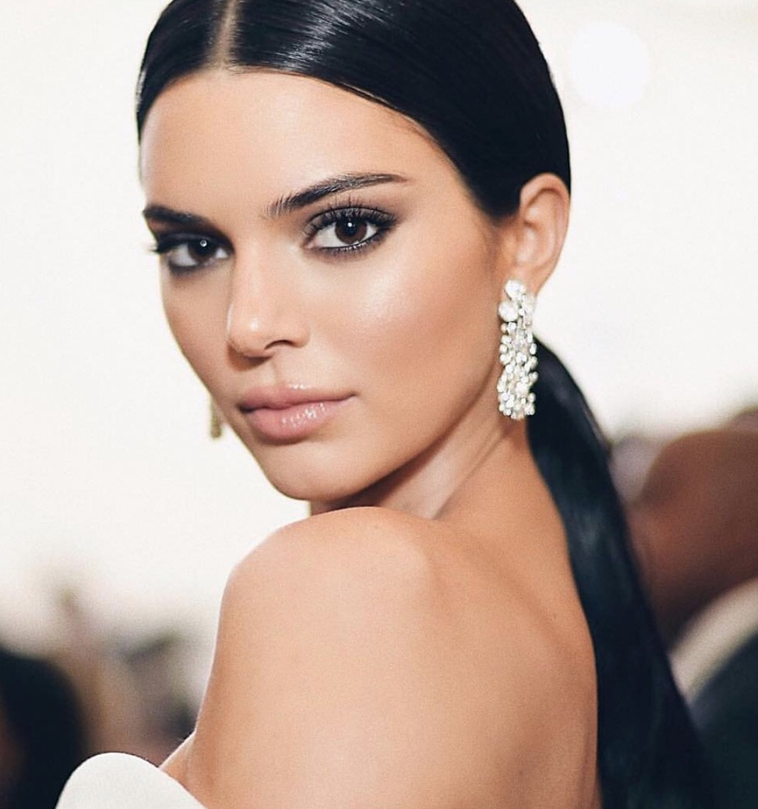 Kendall Jenner wore Paper Flowers earrings to Monday night's Met Gala