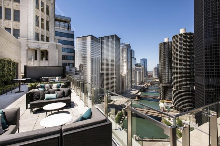 LondonHouse Chicago - LH22 Slanted Bridges View