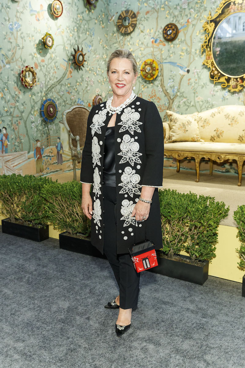 Suzanne Tucker at the San Francisco Fall Art & Antiques Show opening night preview gala on October 25, 2017