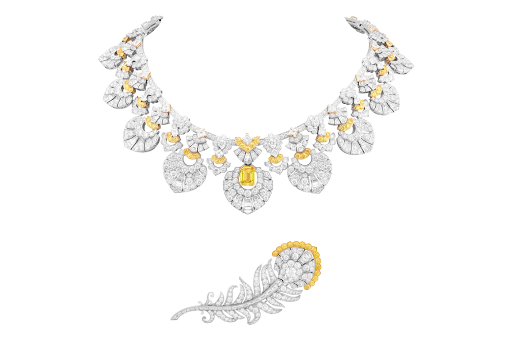 Plumage d'or necklace - Emerald-cut Fancy Vivid Orangy Yellow diamond of 3.31 carats, white and yellow diamonds. Necklace and clip with interchangeable motifs.