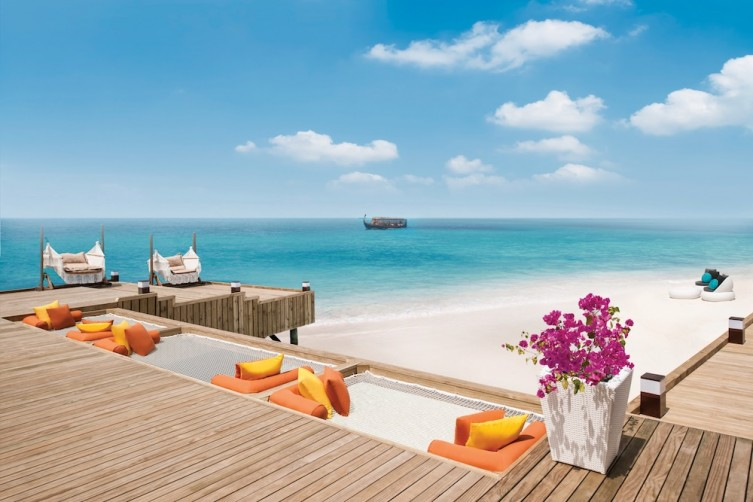 Jumeirah Vittaveli - Royal Residence - Overwater Deck