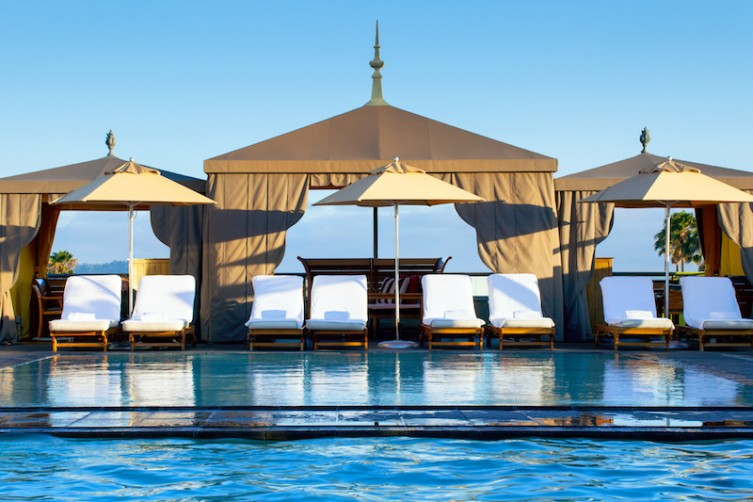 lux3171po-174528-pool cabanas-