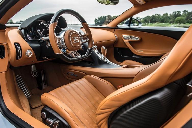 nydn-2017-bugatti-chiron-interior-dashboard