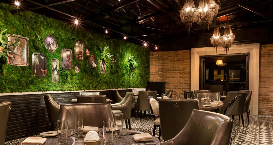 Enjoy Pre-Theater Dining At These 5 Chicago Hotspots